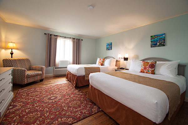 Anchor Inn Double Room, Queen and Double Bed with an ocean view.