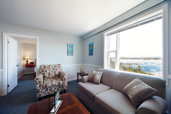 Living Room in Anchor Inn Hotel's Hilltop Suites