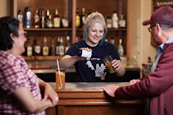 Captain's Pub, live entertainment & eatery