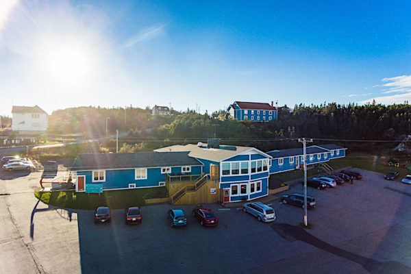 An aerial photo of the Anchor Inn Hotel and Hilltop Annex in Twillingate.