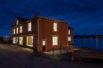 Twillingate - Stay, Dine and Enjoy a Show. The historic Hodge Premises Inn in Twillingate. Stay right on the water in this recently restored heritage inn.